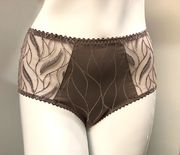 Louisa Bracq Julia High Brief